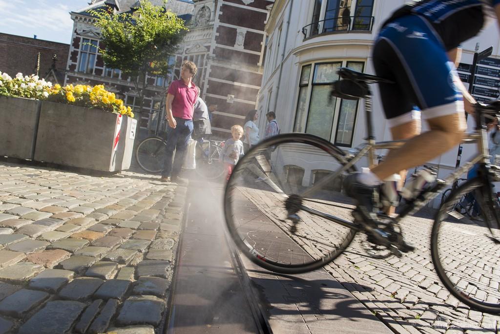 Fietser en stoom op het domplein in Utrecht, FotoJam 2015, straatfotografie by Sandra Stokmans