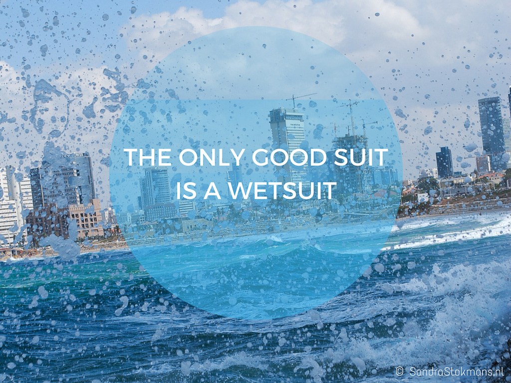 Sandra Stokmans Fotografie, Foto quote, Canva, The only good suit is a wetsuit