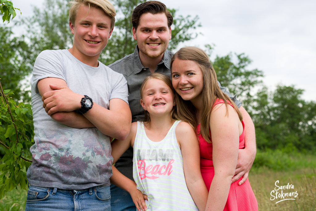 Familie shoot met natuurlijk licht, foto door Sandra Stokmans Fotografie