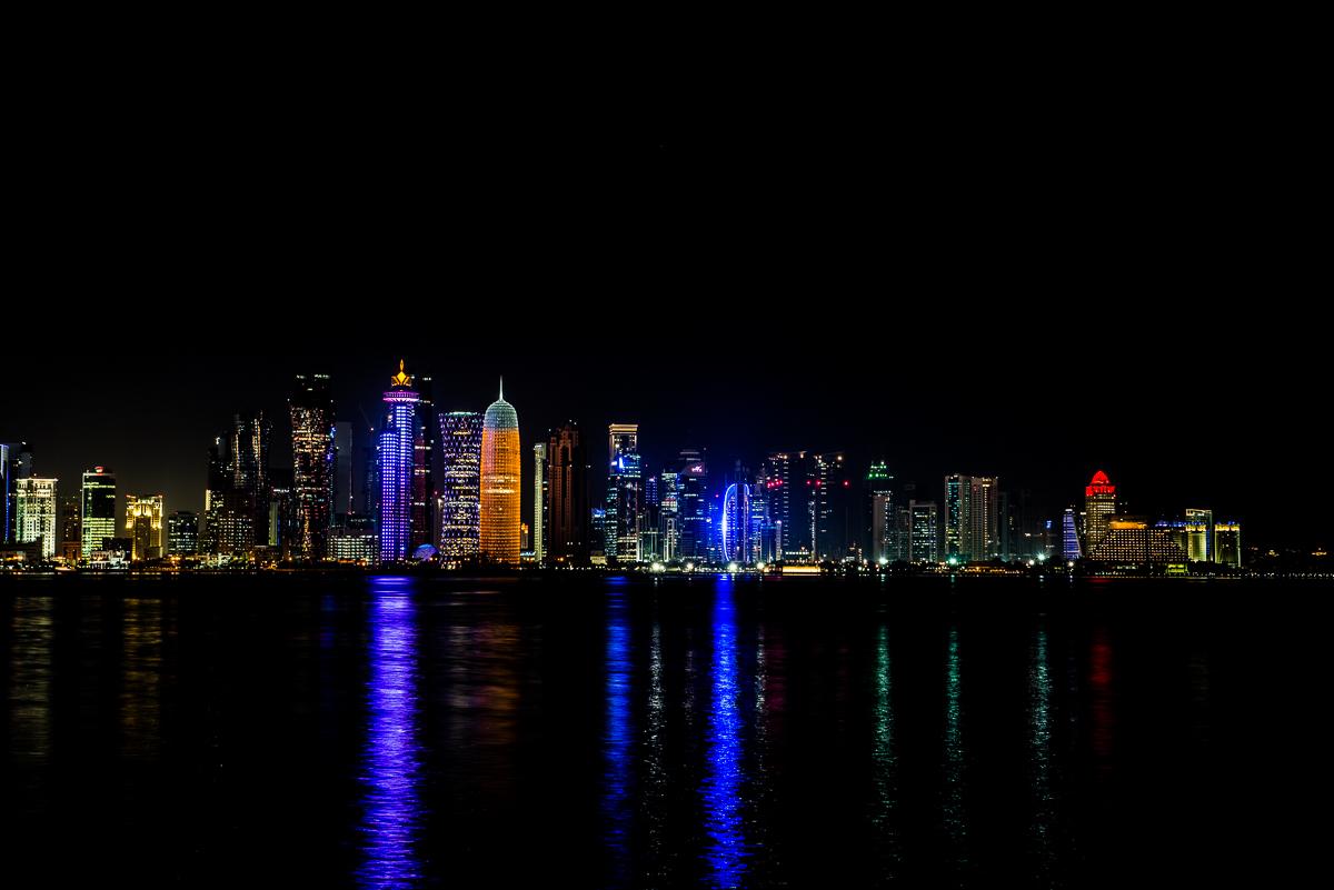 Skyline Doha by night, Qatar, reisfotografie Sandra Stokmans Fotografie