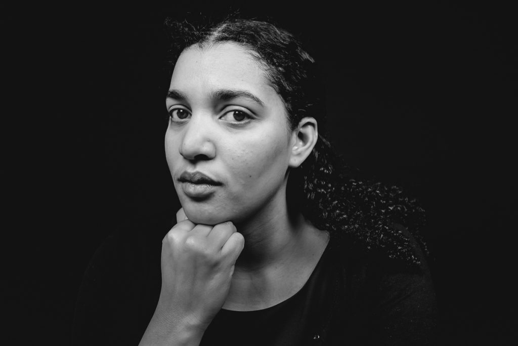 Zakelijk portret zwart wit voor werkgever, foto door Sandra Stokmans Fotografie