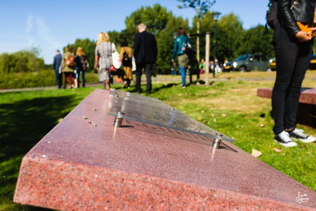 Bij de Joodse Begraafplaats in Vlaardingen, Beeldreportage van een bijeenkomst van College van de Rechten van de Mens, beeldverslag zakelijke fotografie, image by Sandra Stokmans Fotografie