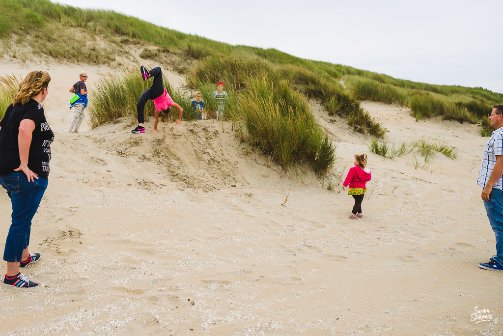 documentaire familie fotografie, Day in the Life, strandwandeling, image by Sandra Stokmans Fotografie
