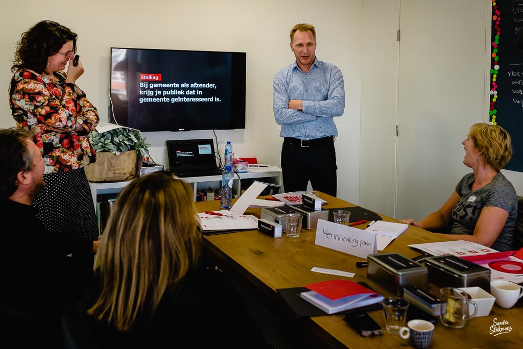 Foto's maken van een bijeenkomst, trainers aan het woord, door Sandra Stokmans Fotografie