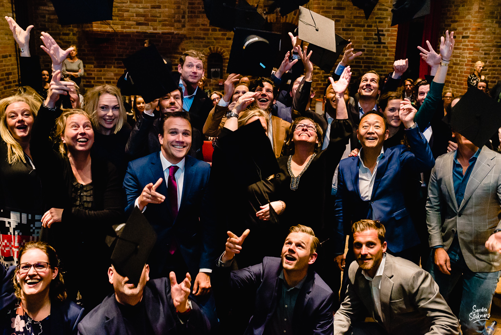 Diploma uitreiking fotograferen bij FMA opleiding van de Nyenrode Business University, evenement fotografie, event photography, foto door Sandra Stokmans Fotografie