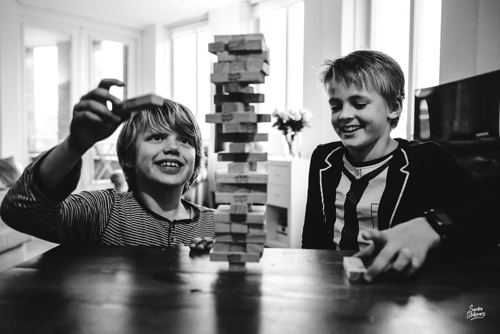 365 dagen project fotograferen, Jenga spelen met vriend, foto door Sandra Stokmans Fotografie