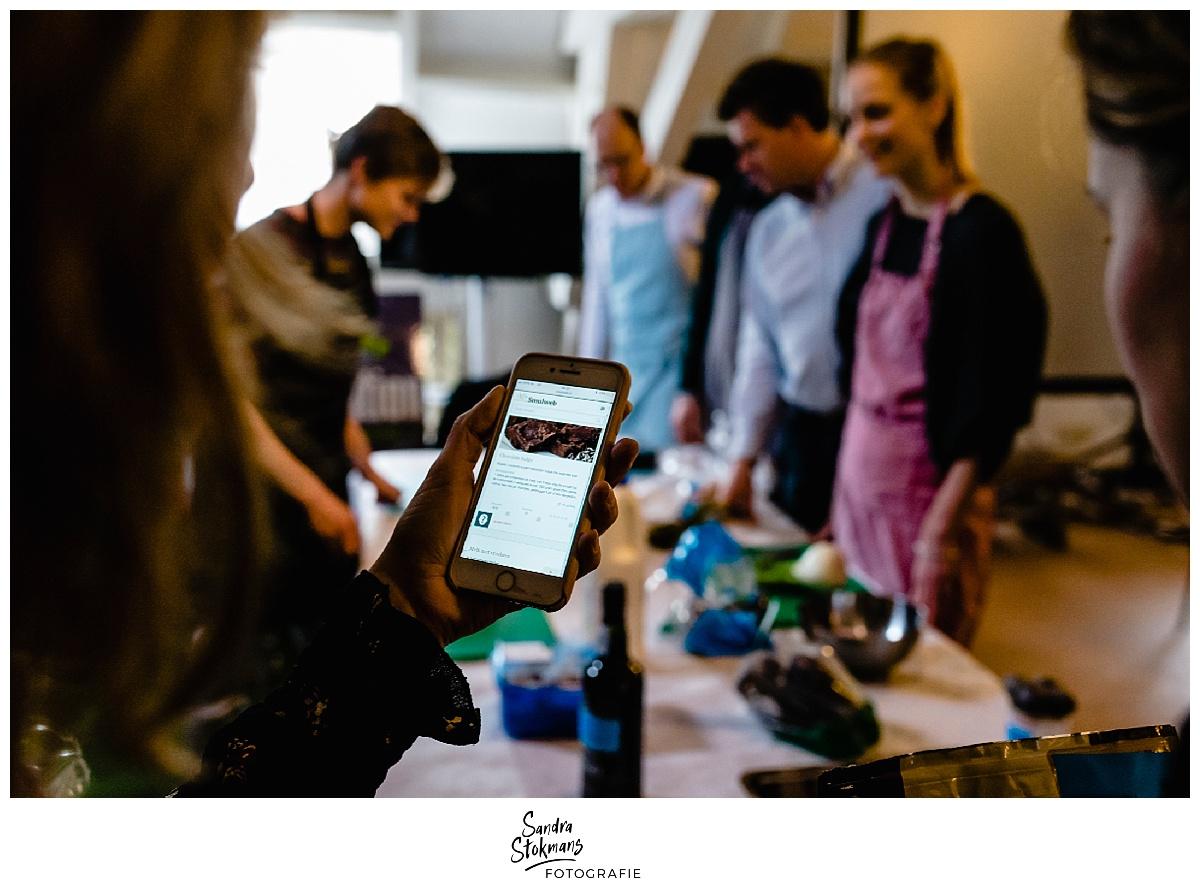 Fotoreportage maken, op zoek naar gerechten tijdens kick-off HEI Challenge, foto door Sandra Stokmans Fotografie