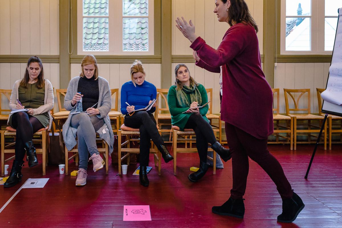 Workshop fotograferen, Leonie aan het werk, training van Firijn, foto door Sandra Stokmans Fotografie