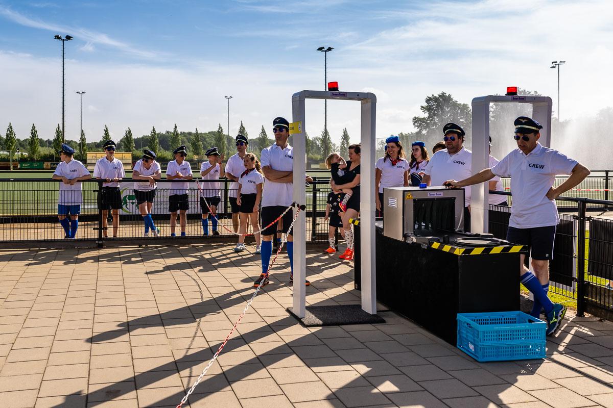 Fotograferen evenement, strenge security controle bij het MHV familie hockeytoernooi 2019, foto door Sandra Stokmans
