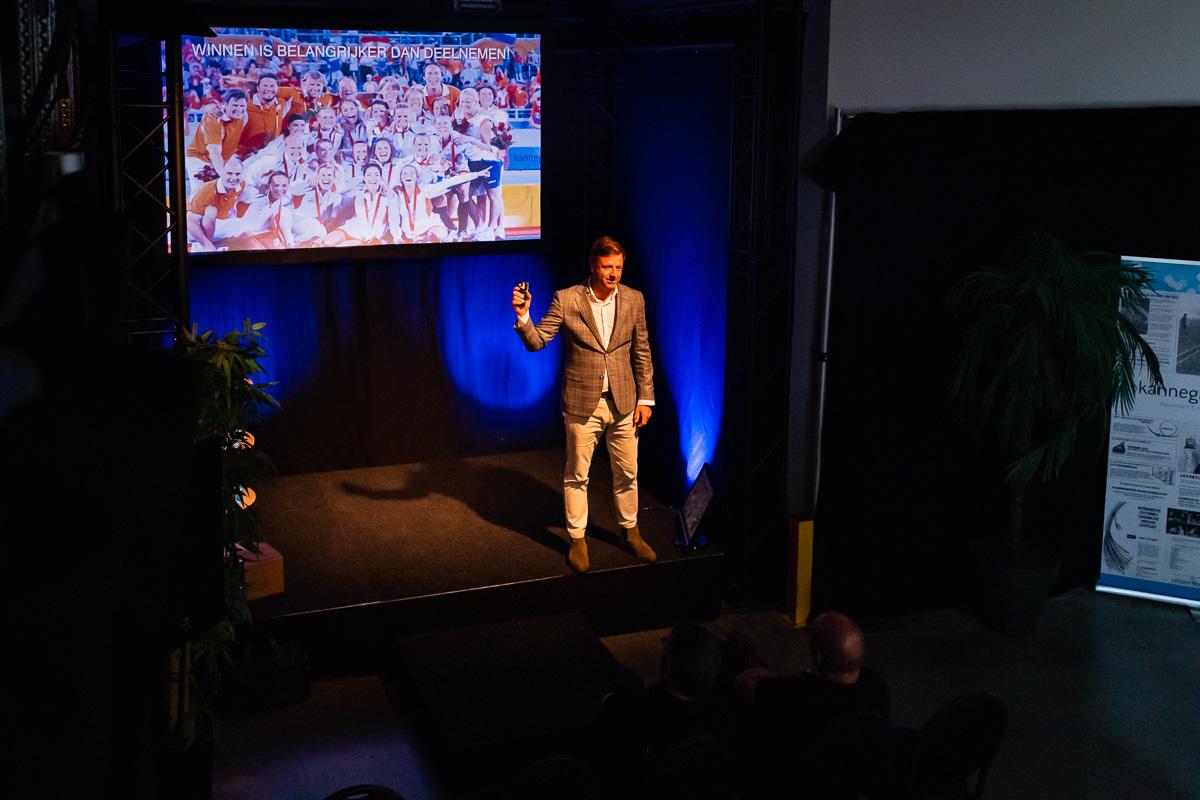 Marc Lammers start zijn presentatie, evenement fotograaf Sandra Stokmans