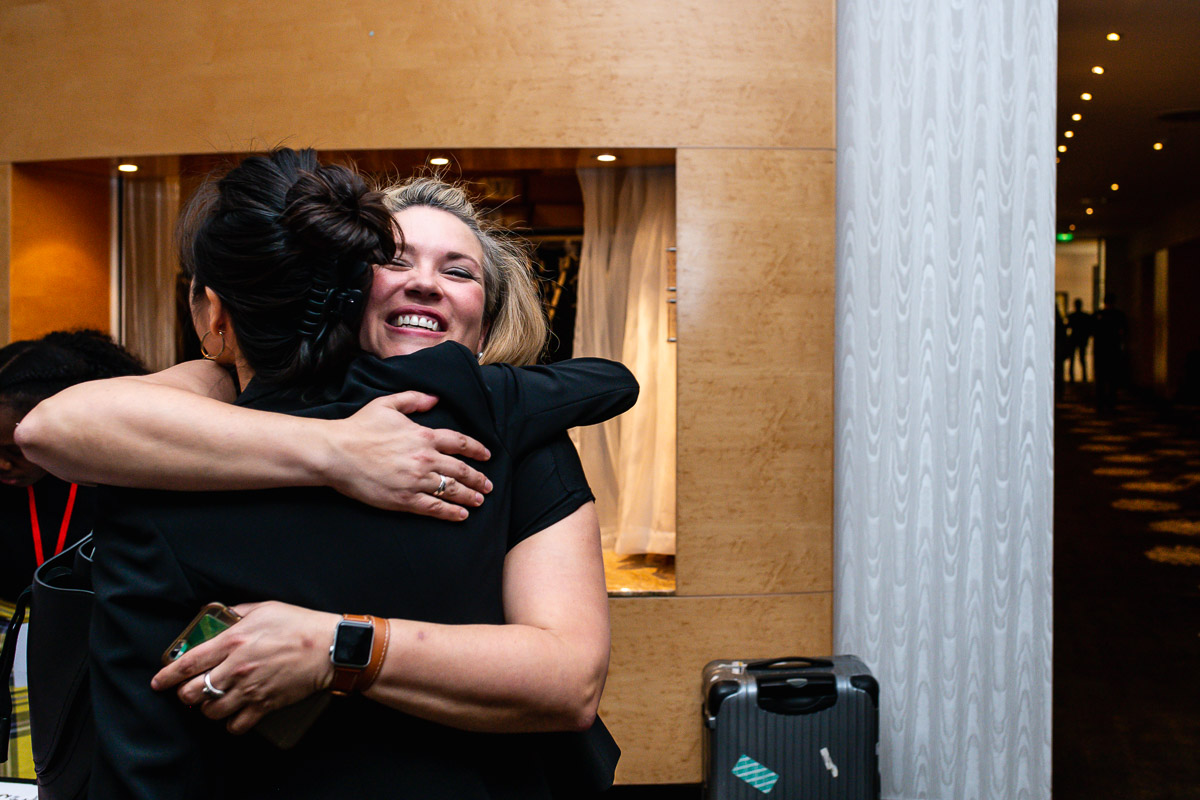 Happy reunion EWPN Conference at the Hilton in Amsterdam with event photographer Sandra Stokmans Fotografie
