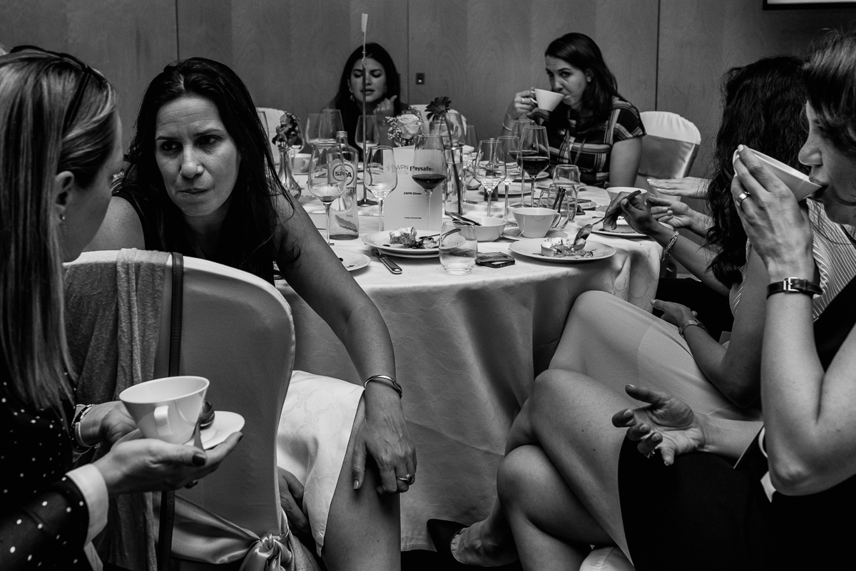 Serious chatting during the EWPN Awards dinner, with event photographer Sandra Stokmans